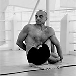 Yoga teacher Lino Miele (link to Ashtanga Vinyasa Yoga page)